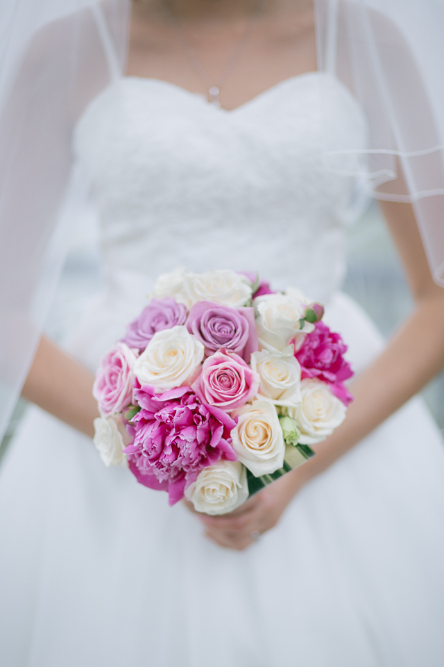 mariage-bouquet-mariee-cabane-constantin-steustache-laurentides