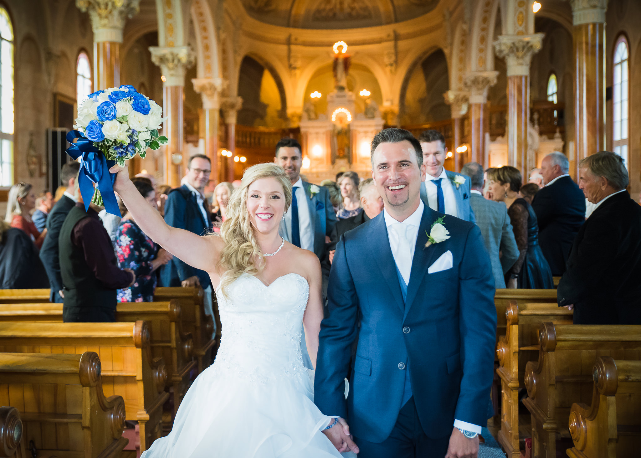 mariage-couple-ceremomie-eglise-tremblant-laurentides